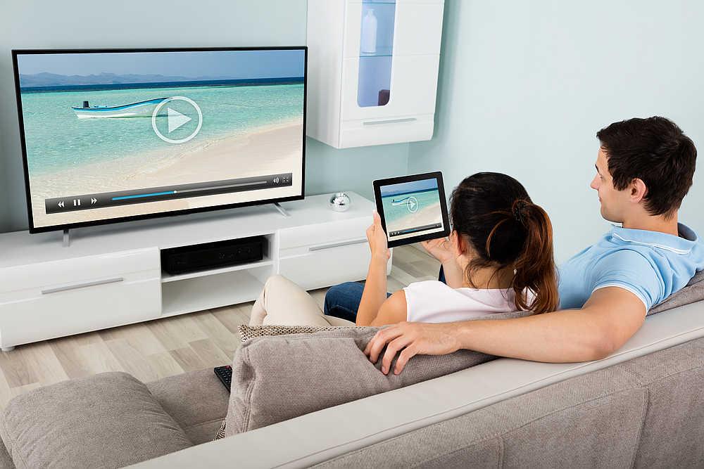 sky-multiscreen-fernseher-tablet